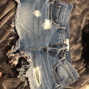 Bullhead Shorts - Bullhead High rise jean shorts!